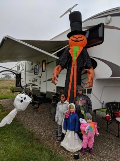 Halloweed trick or treating at DIamond Lake campground